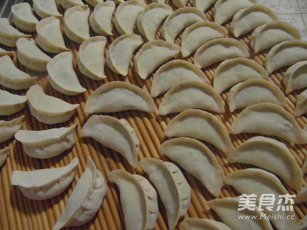 韭菜大蒸饺怎么炖