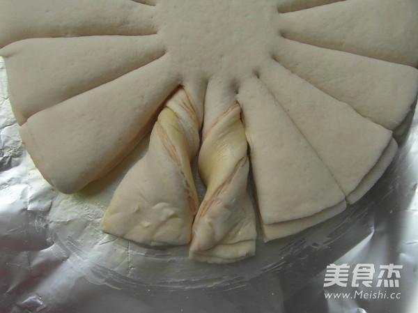 扭纹花式面包怎么炖