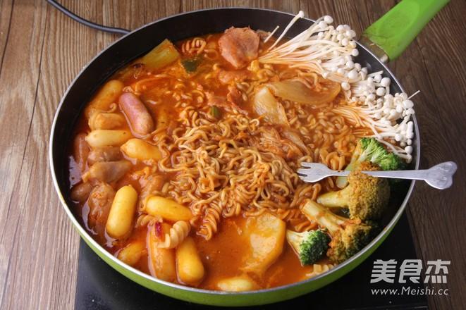 韩式年糕火锅成品图