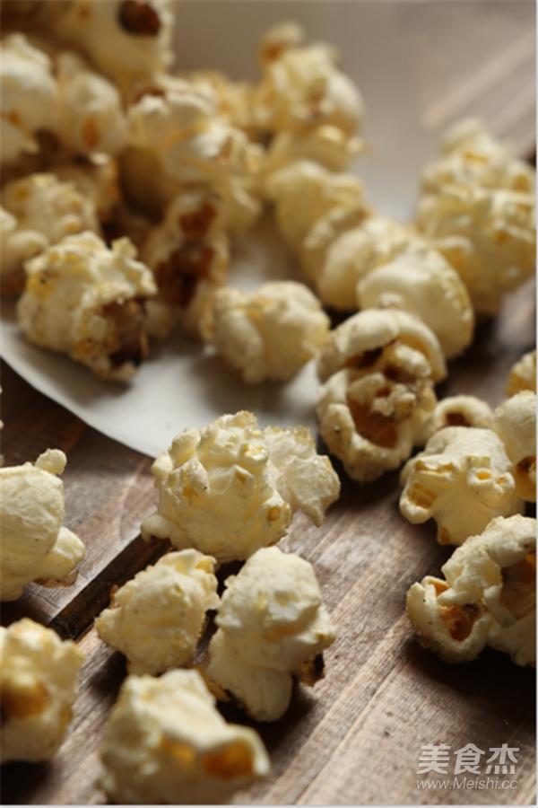 黄油爆米花~家庭影院必备美食成品图