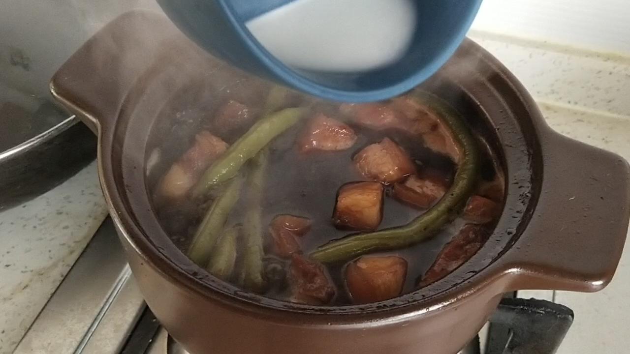 超简单的懒人五花肉炖豆角怎么做