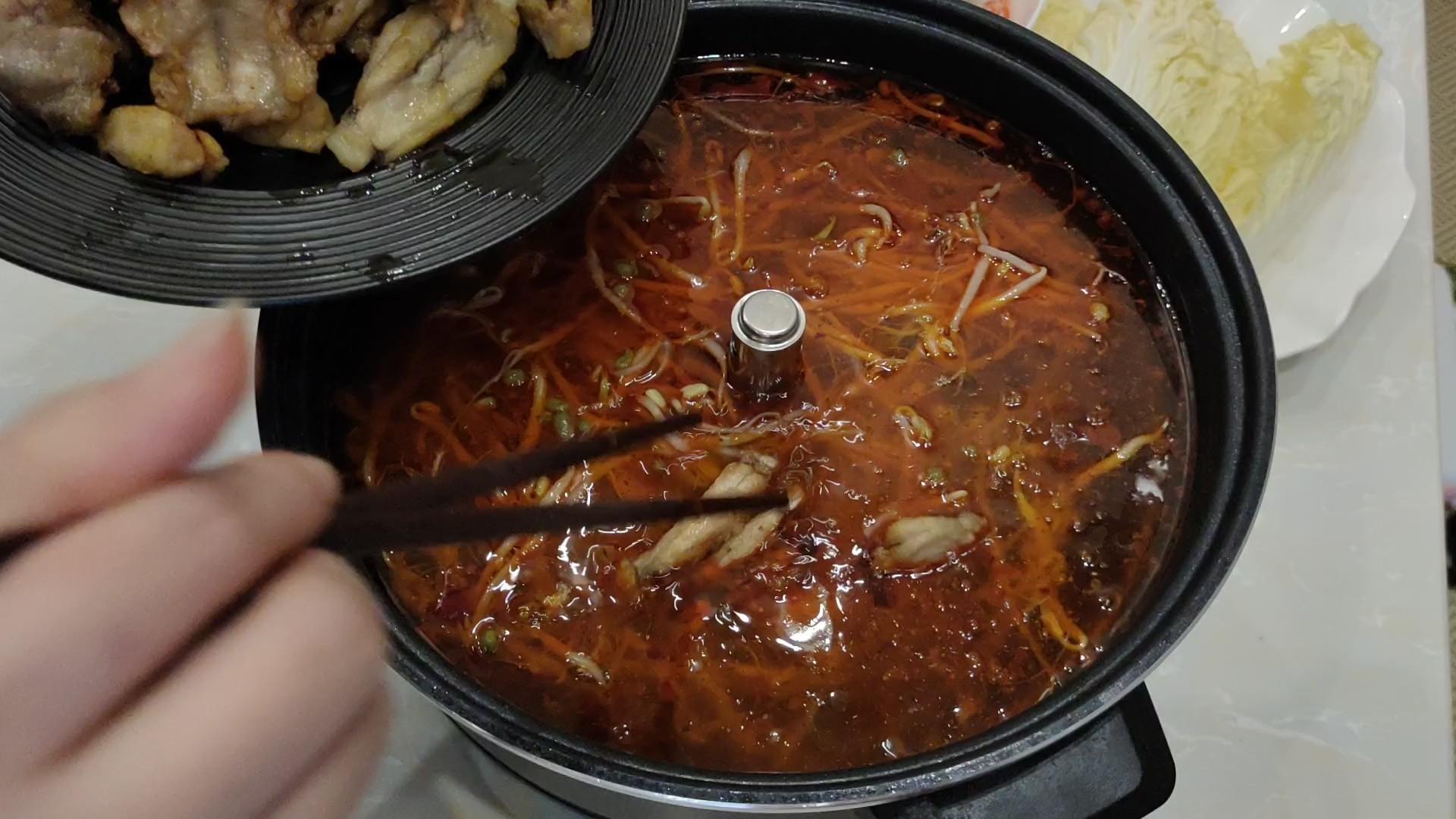 鲜香嫩滑的麻辣牛蛙火锅怎么做