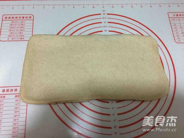 豆沙辫子面包怎么煸