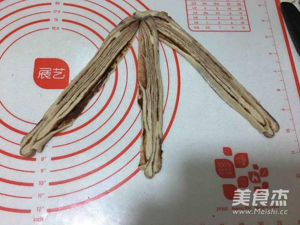 豆沙辫子面包的制作方法