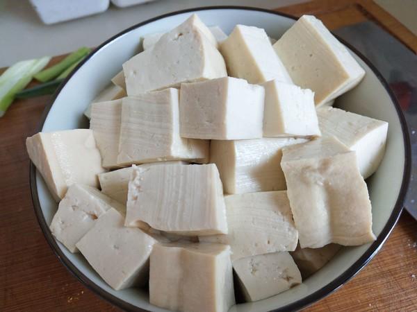 三文鱼头炖豆腐的家常做法