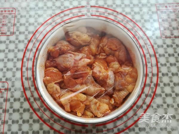 新奥尔良烤鸡根翅(砂锅版)的简单做法