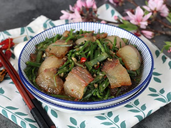 野芹菜炒腊肉怎样煮