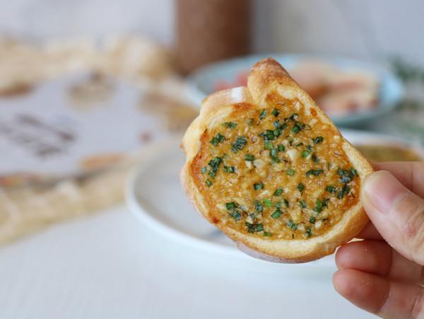 法式蒜香面包片怎样煸