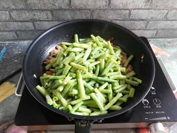 香猪肉炒豆角怎么炖