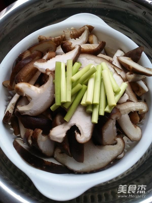 蘑菇炒肉的做法大全
