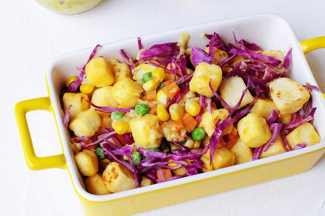 馒头蔬菜什锦沙拉成品图