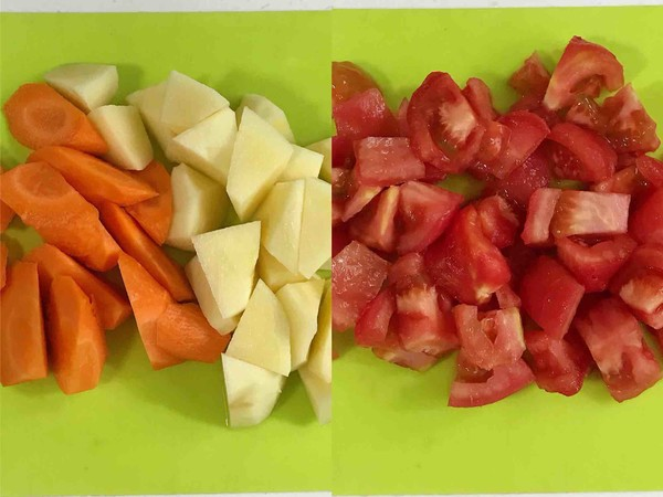 番茄土豆牛腩汤怎么炒