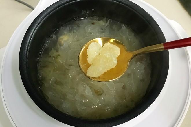 桃胶银耳凤梨甜汤怎么做