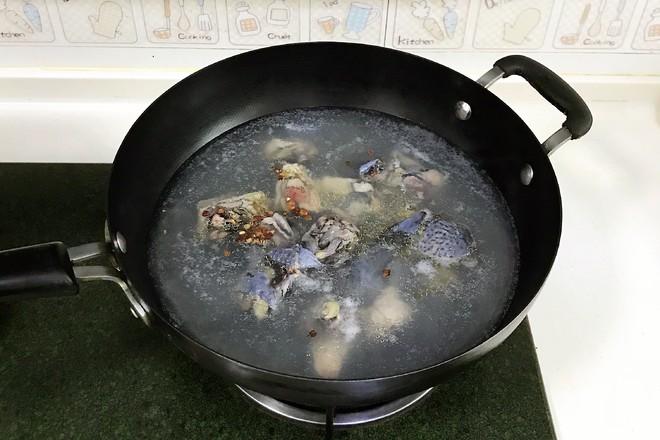 菌菇山药乌鸡汤的简单做法
