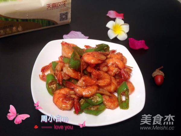青椒炒基围虾成品图