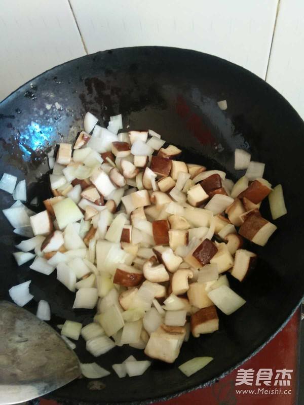 香菇火腿意大利面的家常做法