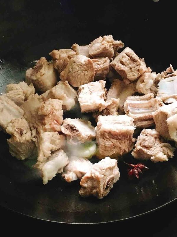 酸菜炖排骨的简单做法