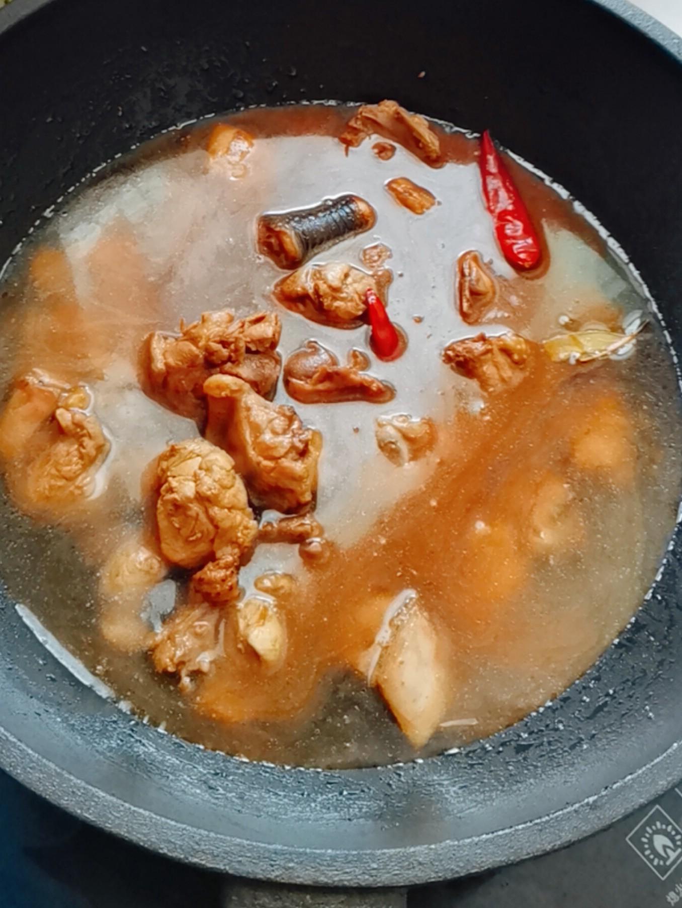土鸡炖粉条怎么做
