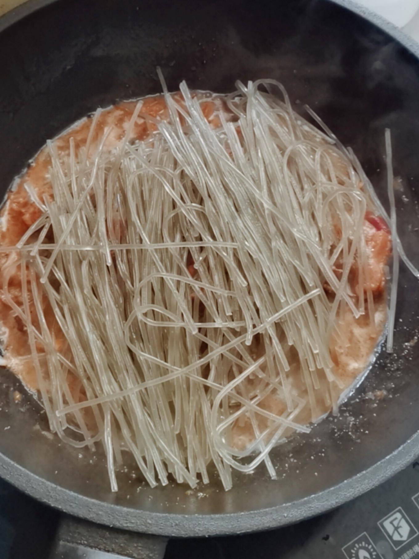 土鸡炖粉条怎么炒