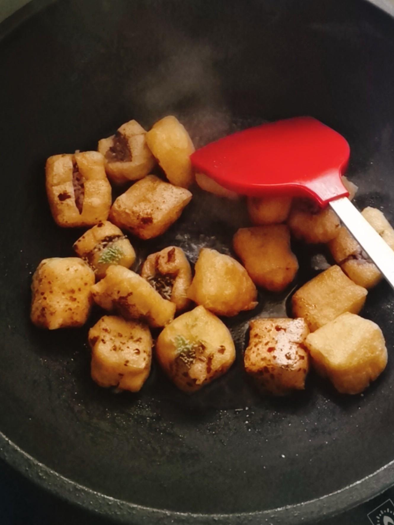 油豆腐酿米丸子怎么做