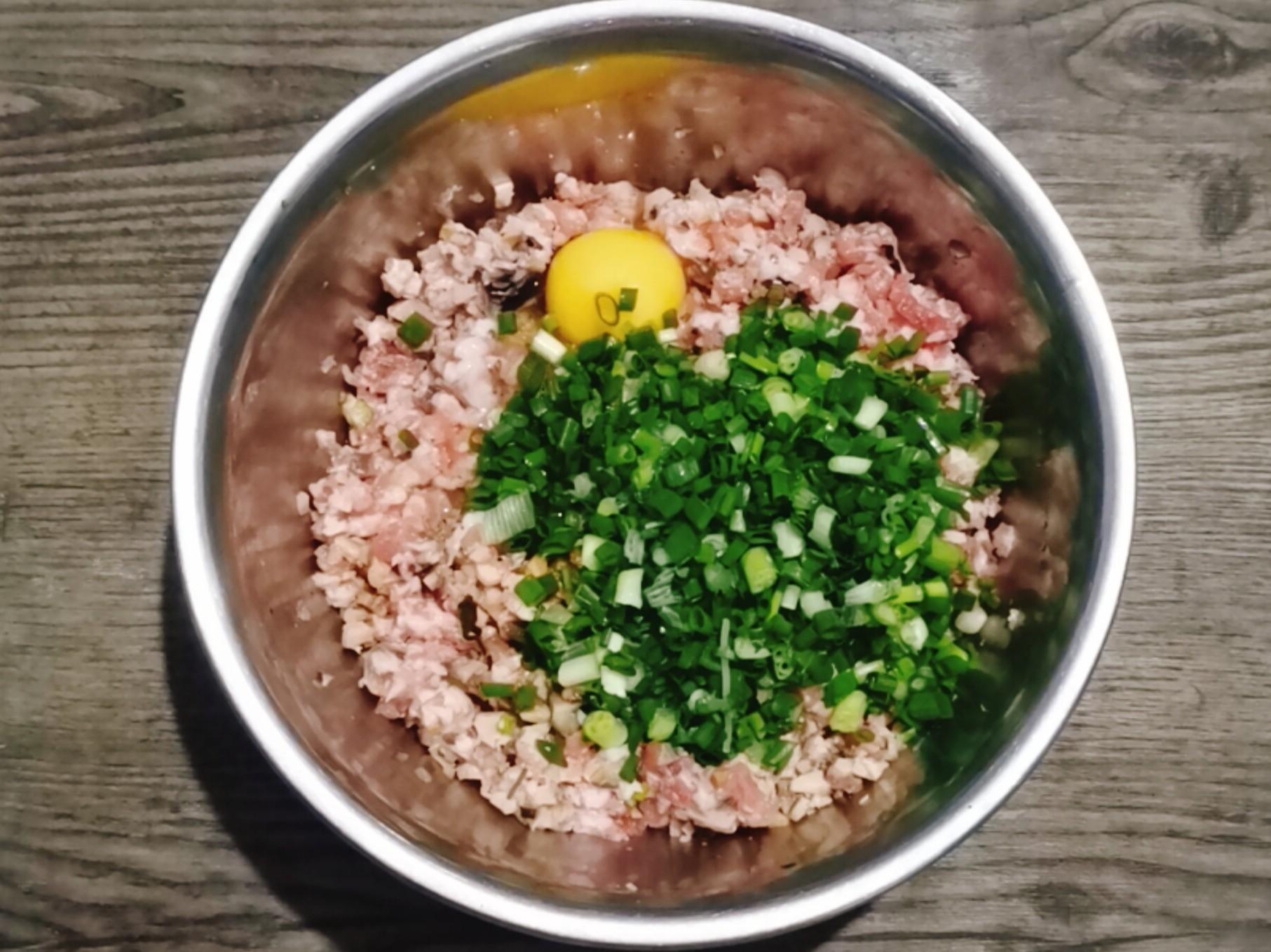 周庄名吃田螺塞肉,口口爆汁味道鲜怎么做