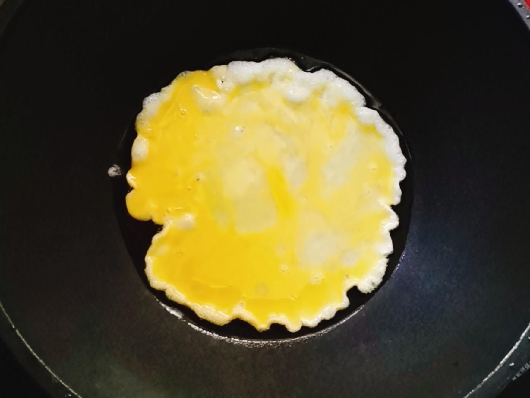鸡蛋粉丝炒包菜的步骤