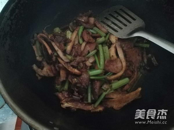 芹菜香菇肉片怎么煮