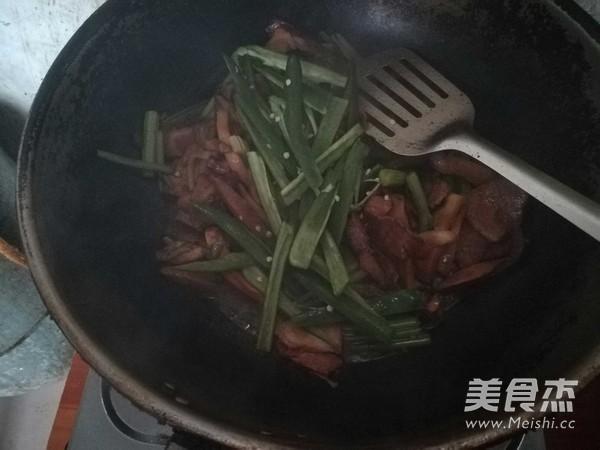 芹菜香菇肉片怎么炖