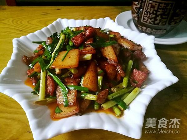 土豆蒜薹炒肉片成品图