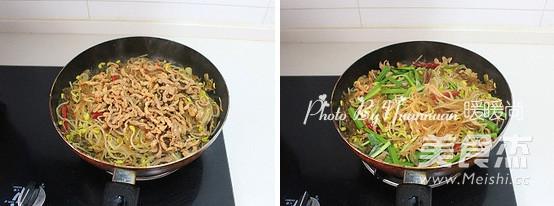 豆芽肉丝炒粉条的简单做法