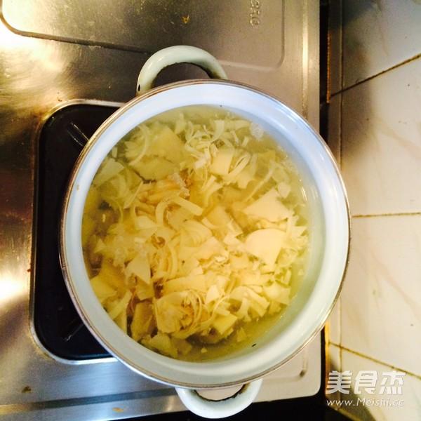 雪菜冬笋豆腐汤的家常做法