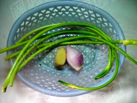 蒜香豆瓣鲶鱼的步骤