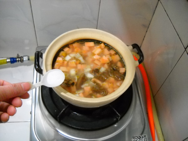 砂锅排骨饭的制作