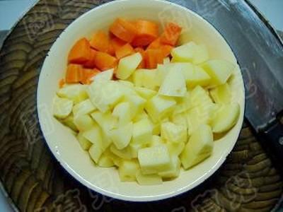 土豆烧肉的做法大全