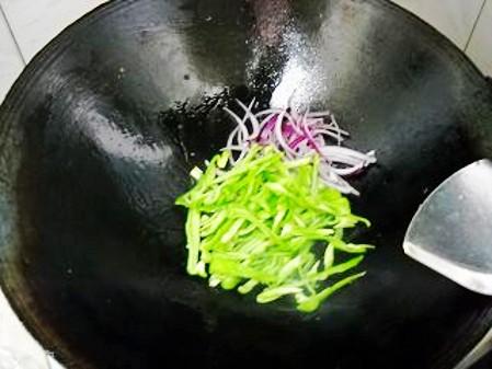 青椒爆鱿鱼干怎么吃