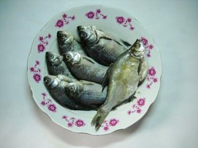 微波蒜香野鲫鱼的做法大全