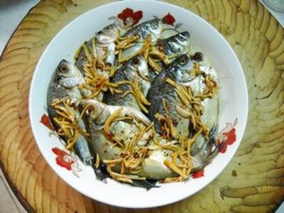 微波蒜香野鲫鱼怎么煮