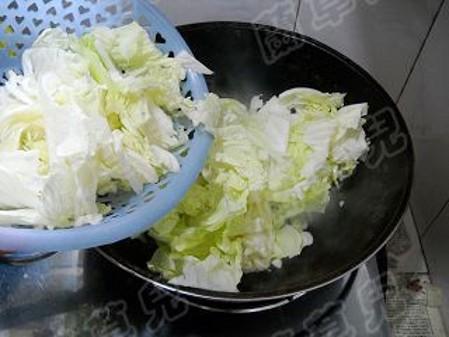 锅仔肉丸炖白菜怎么做