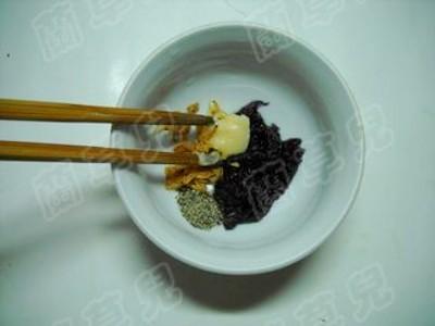 辣白菜紫虾馄饨怎么吃