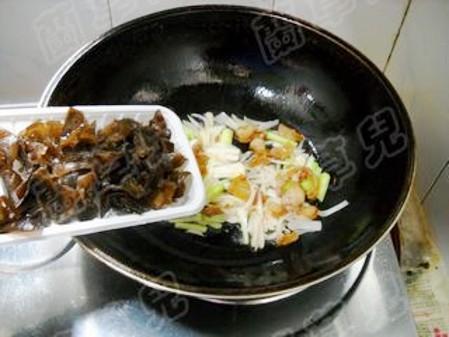 干锅手撕包菜怎么做
