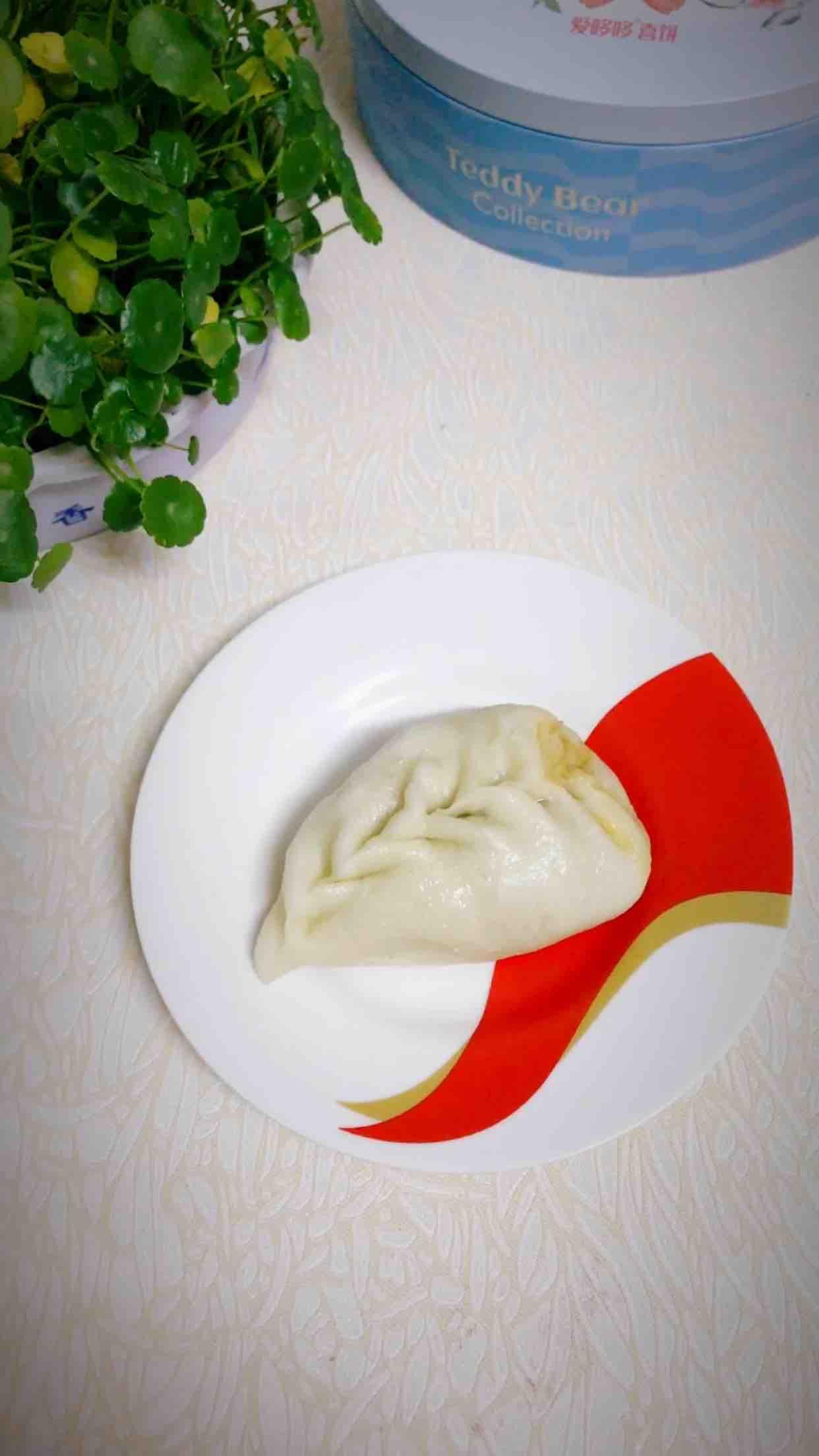 腌菜鲜肉柳叶包成品图