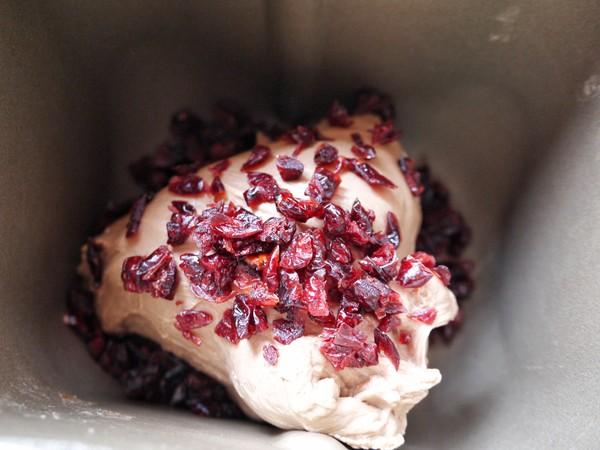 可可蔓越莓面包卷的步骤