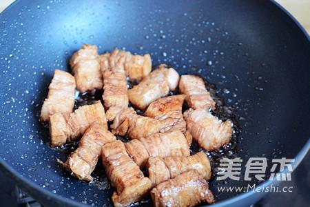 红烧肉焖饭怎么吃