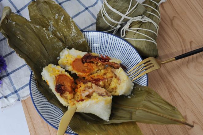 经典广式风味,咸蛋黄鲜肉粽的做法大全