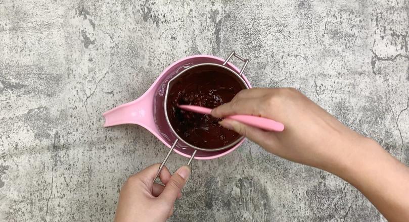 清凉夏日自制巧克力脆皮冰淇淋的家常做法