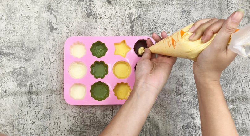 清凉夏日自制巧克力脆皮冰淇淋怎么煮