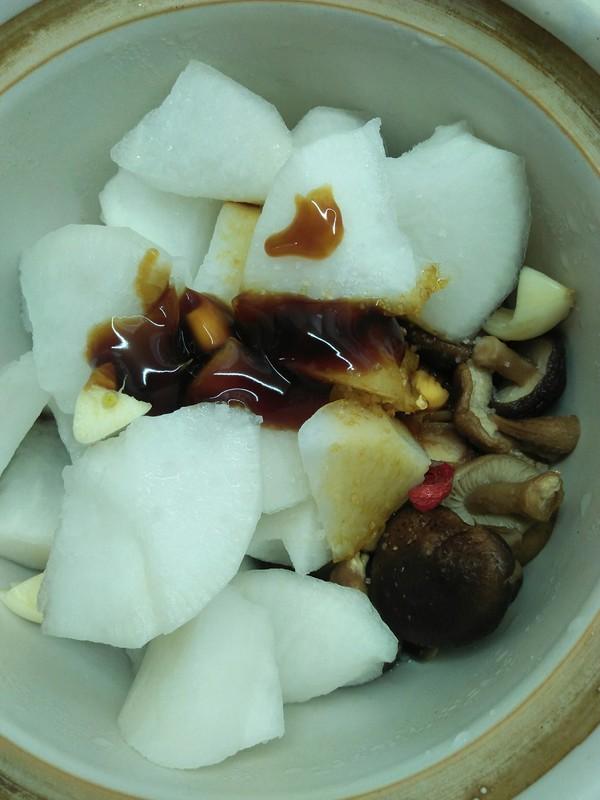 白萝卜炖香菇的家常做法