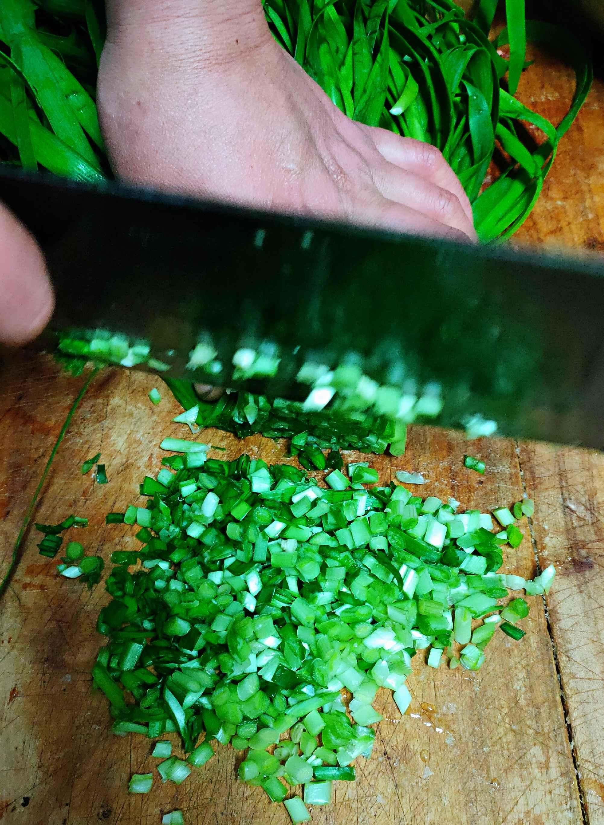 超简单的猪肉韭菜馅饺子的简单做法