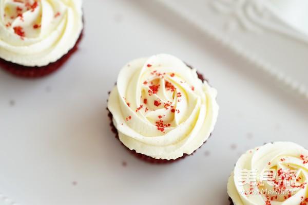 经典红丝绒蛋糕(Red Velvet Cake)怎样煸