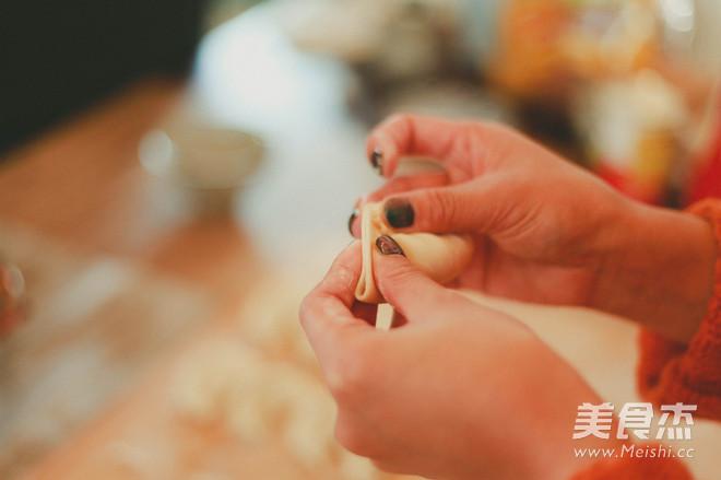 鲜美菌菇水饺的简单做法